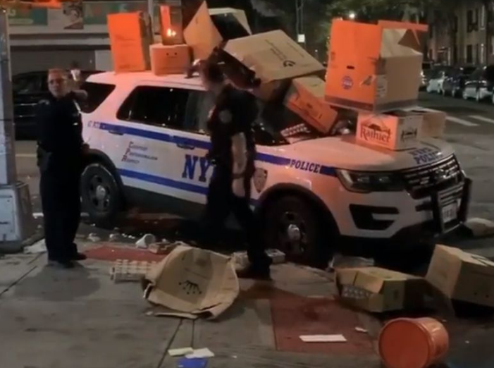 Screenshot_2019-11-25 SEE IT Trick-or-treaters dump garbage and boxes on NYPD vehicle in Brooklyn.png