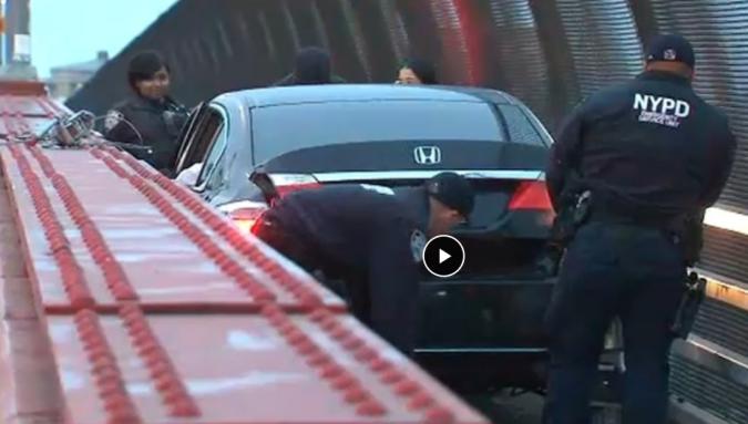 Screenshot_2020-01-01 Whoops Car becomes stuck in pedestrian lane of Pulaski Bridge between Brooklyn and Queens abc7ny com.png